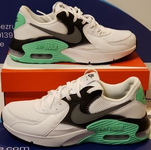 Nike Air Max Exceewomen's Size 8.5